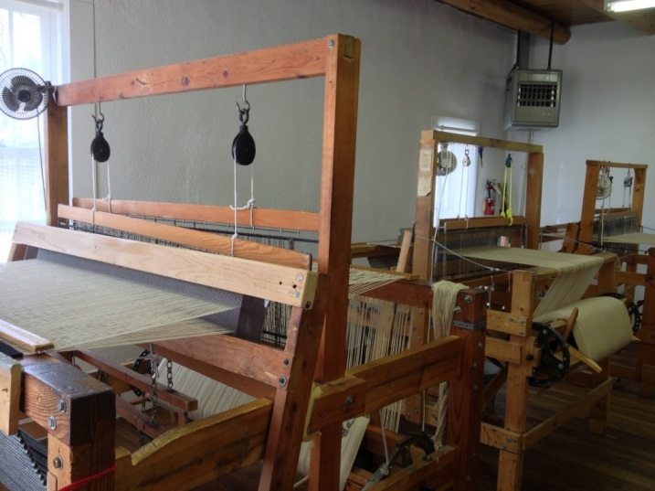 Loom rooms
