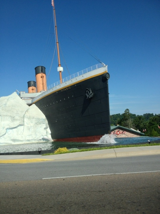 Titanic Theater in Pigeon Forge